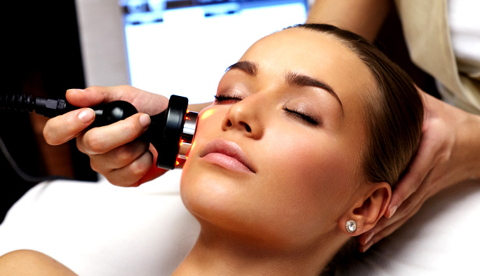 FACIAL TREATMENTS HIGH-TECH 40 MIN
